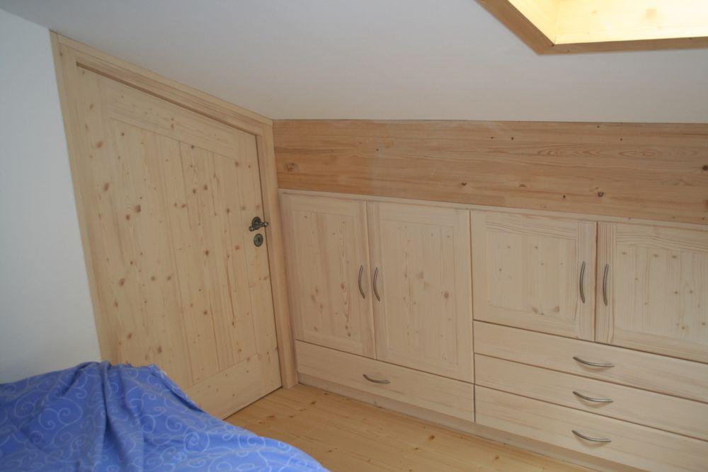 kleiderschrank dachschr ge loferer ihr profi f r anspruchsvolles wohnen. Black Bedroom Furniture Sets. Home Design Ideas
