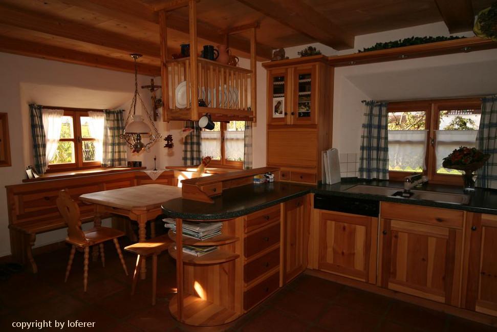 Küche mit Eckbank in Kiefer