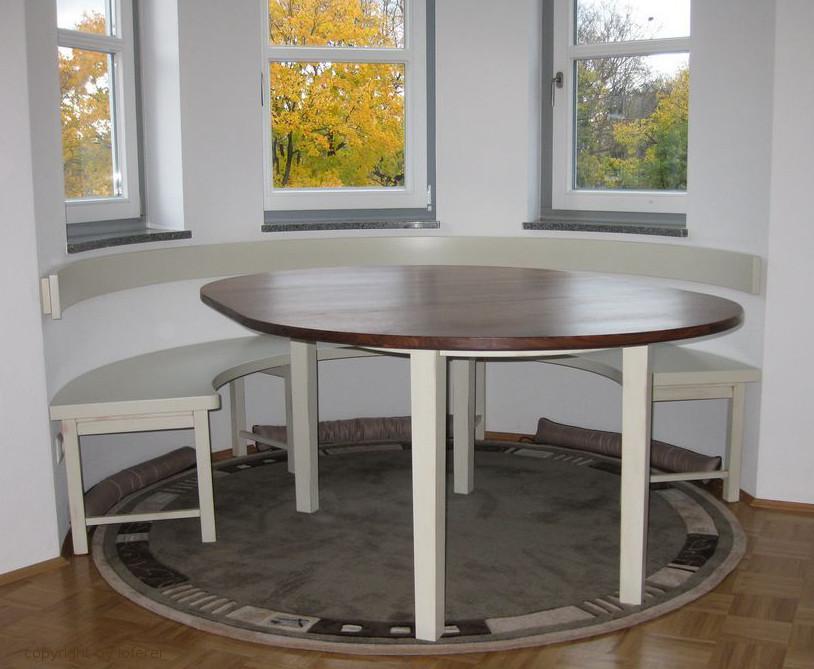 Erkerbank rund und Tisch