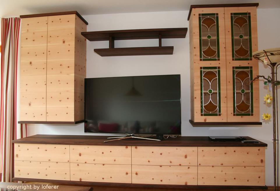 Wohnzimmerschrank in Zirbe